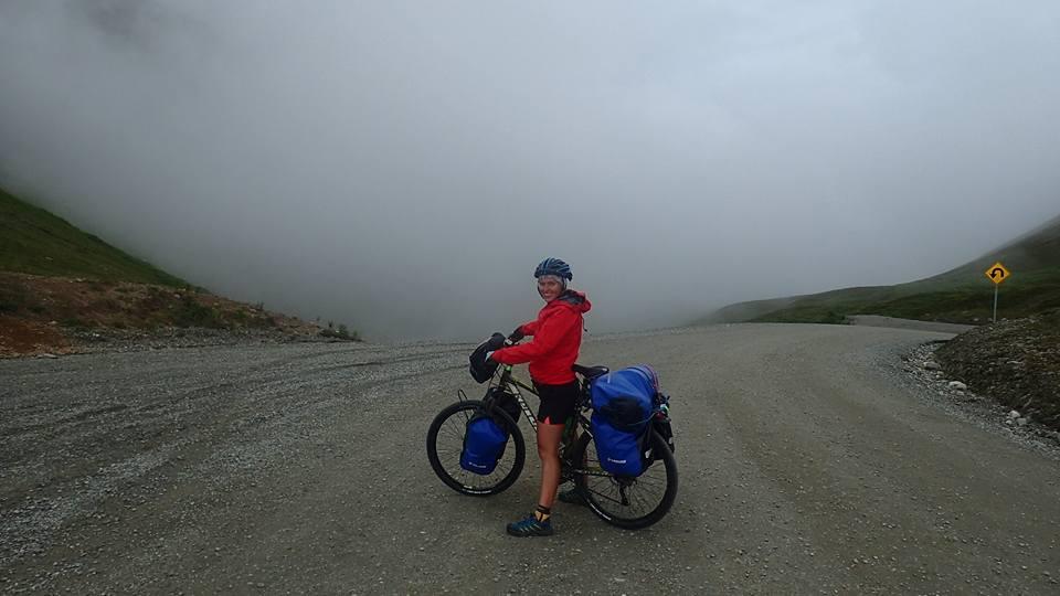 Alaska mgła z rowerem